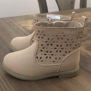 Gymboree boots.NWOT. Never worn. Size 4 toddler.